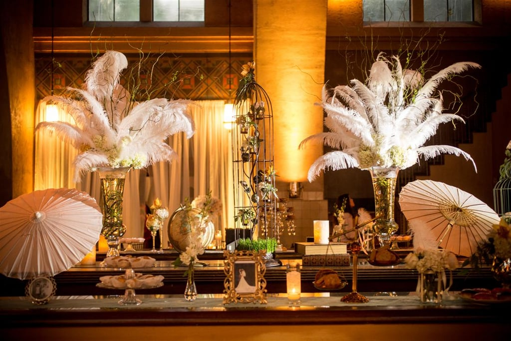 Table with feather decorations